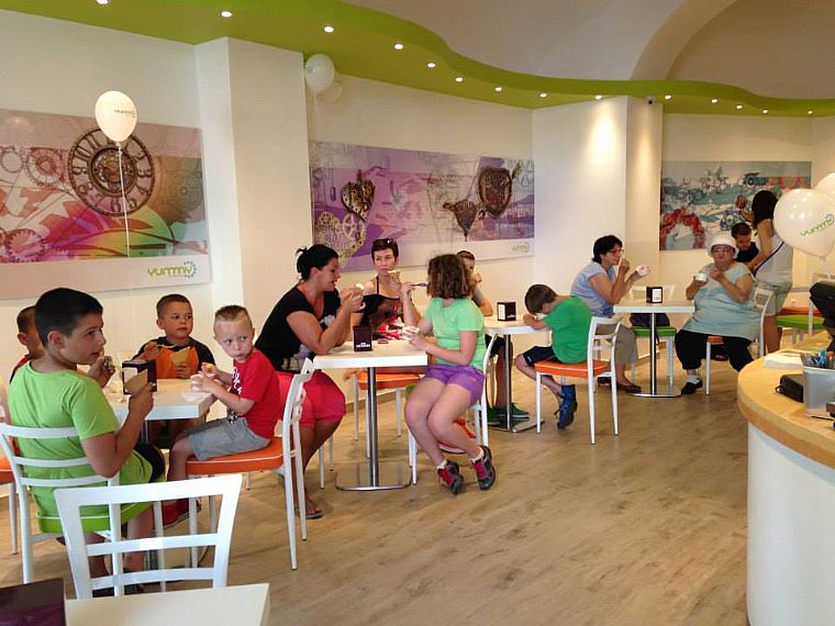 Inaugurato un nuovo locale in ungheria cioccolato caff for Trova un costruttore locale