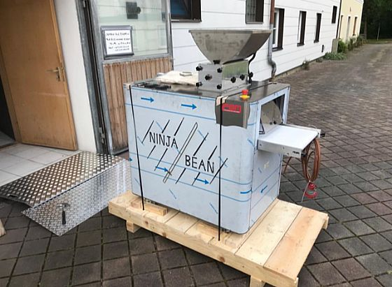 "Talking about ""bean to bar"" machines that are arrived: here there is a Ninja Bean in Germany!"